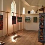 Expozice J. Haklové v kostele v Eppenhiuzen