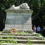 Pomník Spící lev v rezervaci Dubno u České Skalice